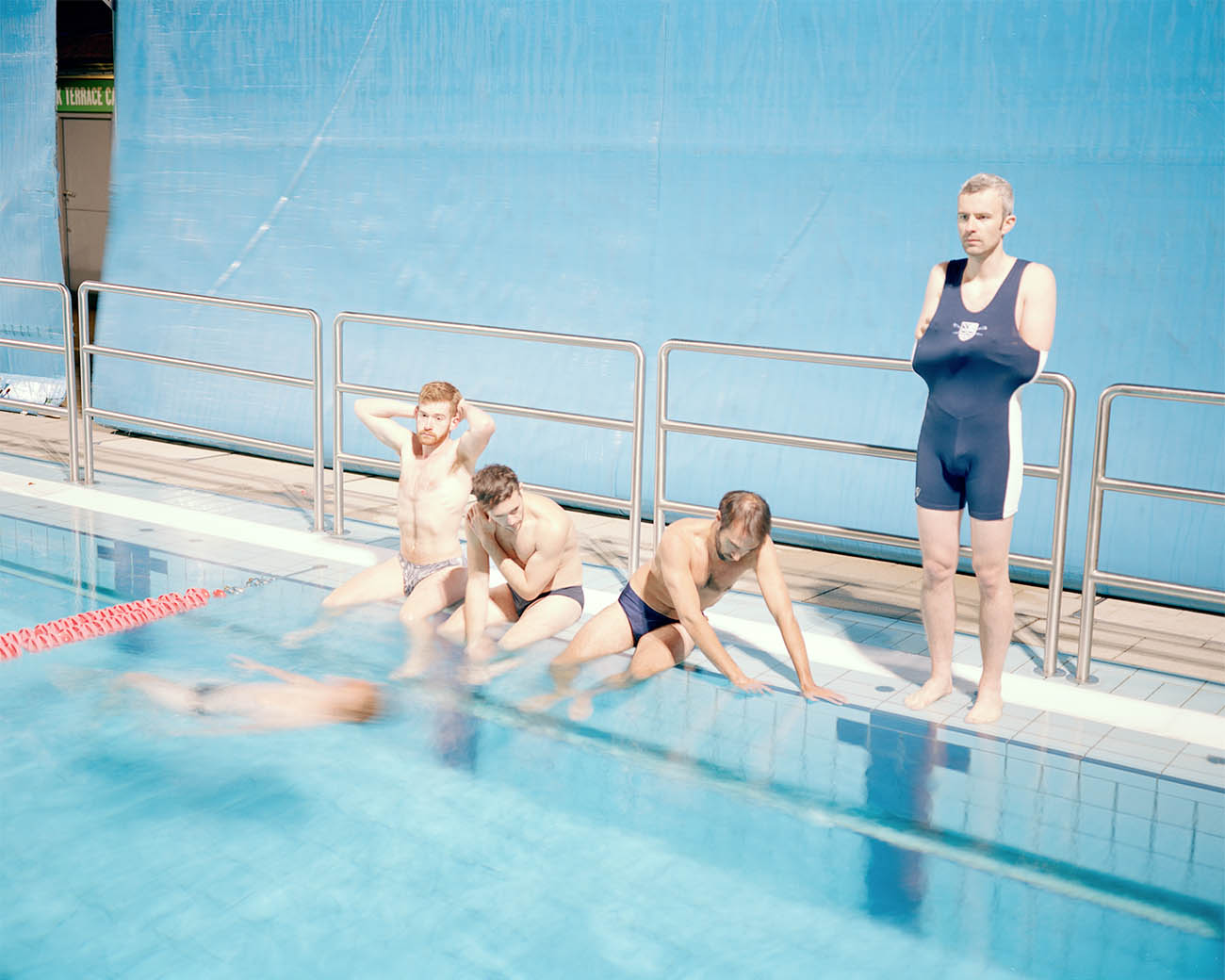 Divers. London Fields Lido,London, 2015